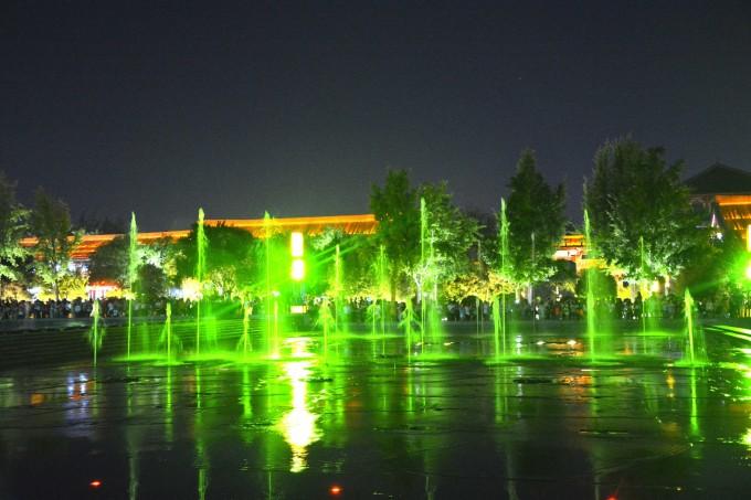 大雁塔北广场音乐喷泉    图片