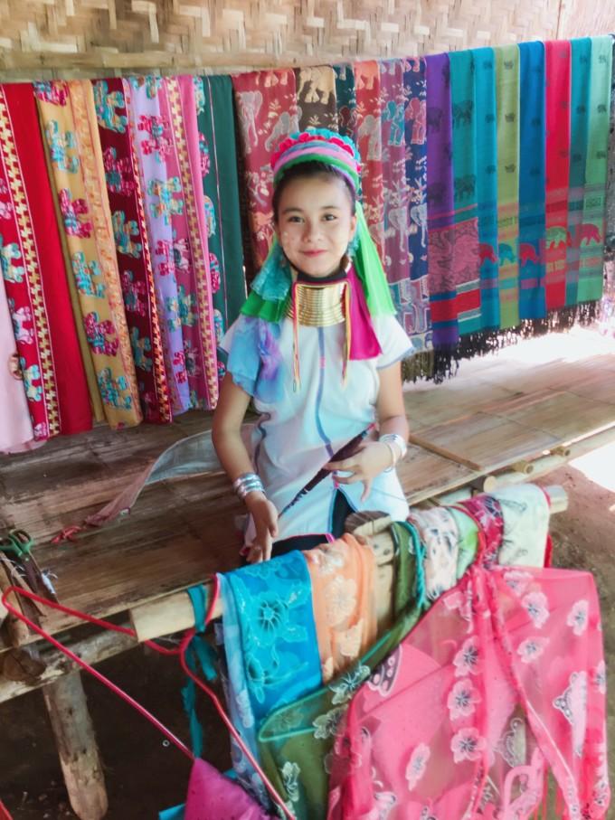 泰国苗族服装设计图片