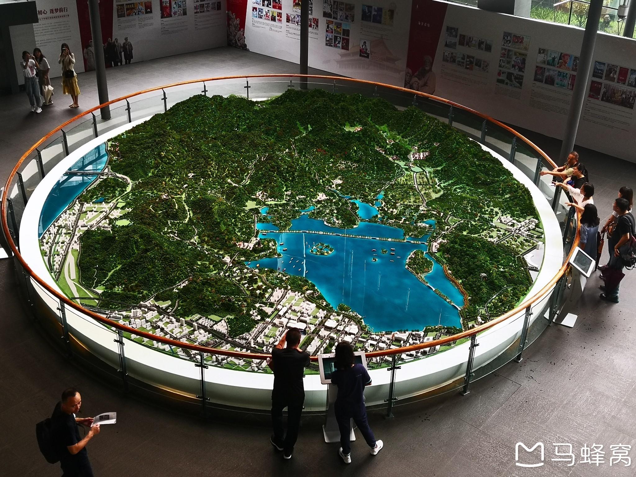 """杭州市西湖区的""""西湖博物馆""""参观游览----走遍杭州"""