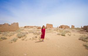 【乌海图片】内蒙古  |  探秘乌兰布和沙漠,寻找百年色勒庙遗址,走进亿年不死神树(附玩沙攻略)