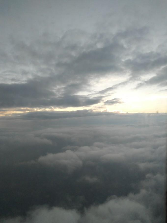 背景 壁纸 风景 气候 气象 天空 桌面 680_907 竖版 竖屏 手机