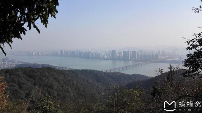 康天庥李䲹�_爬杭州的贵人峰,马儿山,大华山,头龙头----从虎跑公园