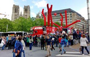 【比利时图片】布鲁塞尔 -- 看玫瑰情人节大游行