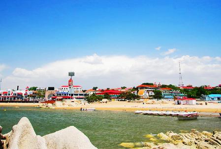 这个夏天在海边释放激情 南戴河金沙湾沙雕大世界 北戴河帆船出海巴士