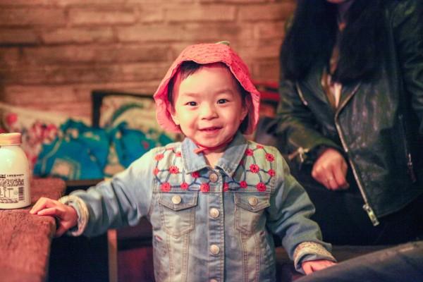 覃安军,   广西   人,做了十几年的流浪歌手,直到他省吃简用东拼西图片