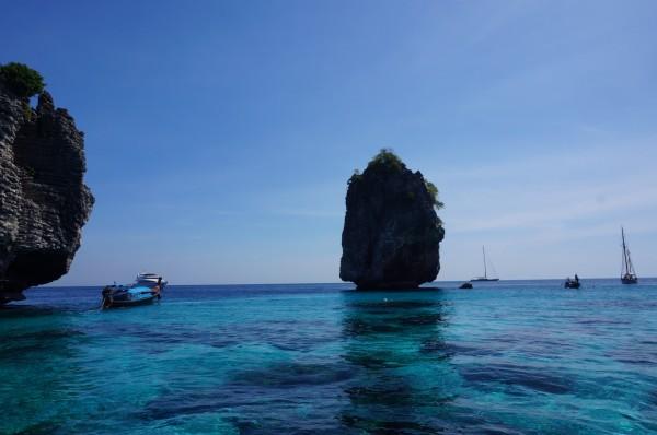 泰国pp岛礁石