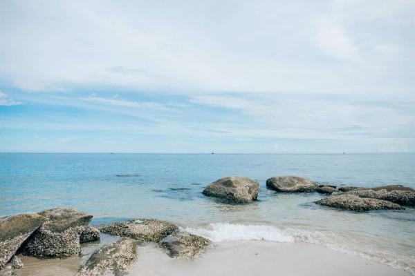 游记   盐洲黑排角位于惠东县红海湾东山海海岸线,从湾仔村到杨屋村