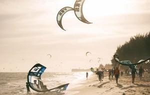 越南娱乐-风筝冲浪