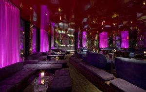 纽约娱乐-230 FIFTH Rooftop Bar