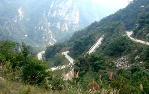 【鲁山图片】山陡、路弯、景美