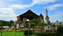 菲律宾景点-罗博教堂(Loboc Church)