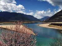 雅鲁藏布江