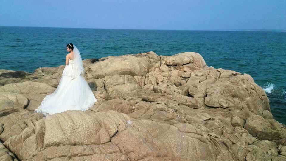 棋子湾在海南岛西海岸区域,位于昌江西部,在昌化镇北3公里处,距昌江图片