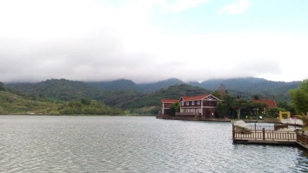 海南 乐东/天池还有两处景点,一处是雨林谷,还要开8公里的泥巴路,颠簸的...
