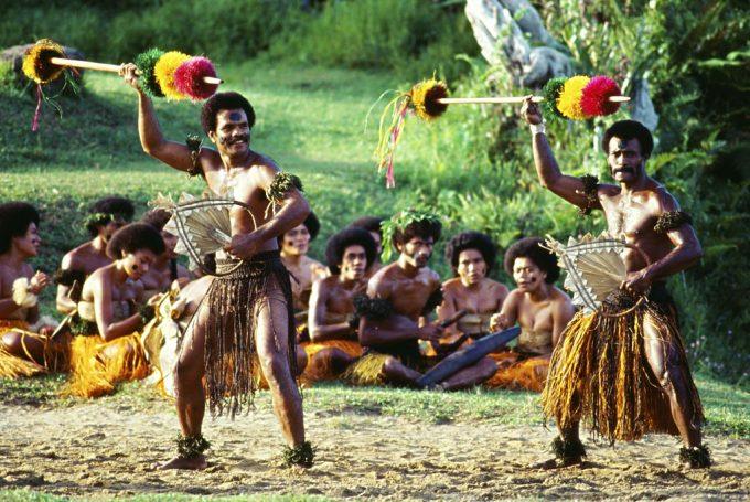 斐济当地人跳舞