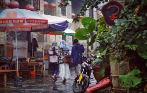 【黄姚古镇图片】深秋,雨中的黄姚古镇