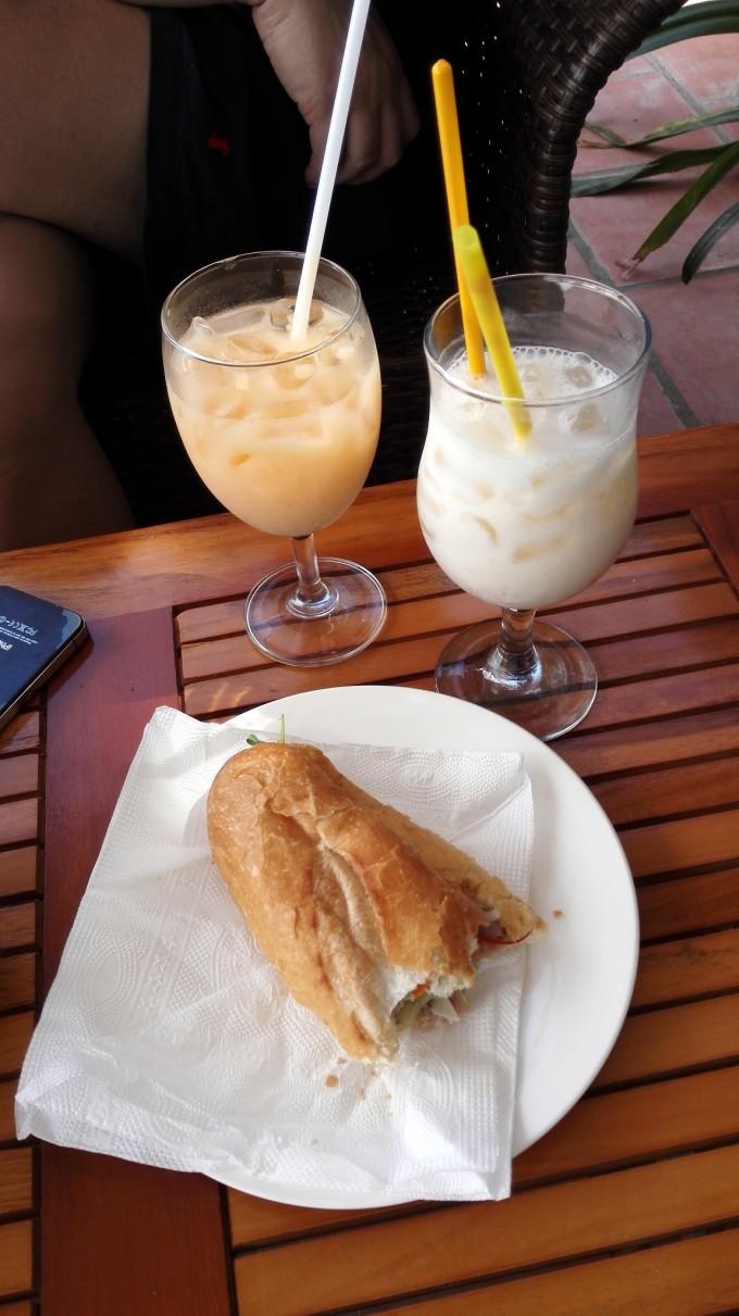 我在越南饿了吃法棍,渴了喝咖啡