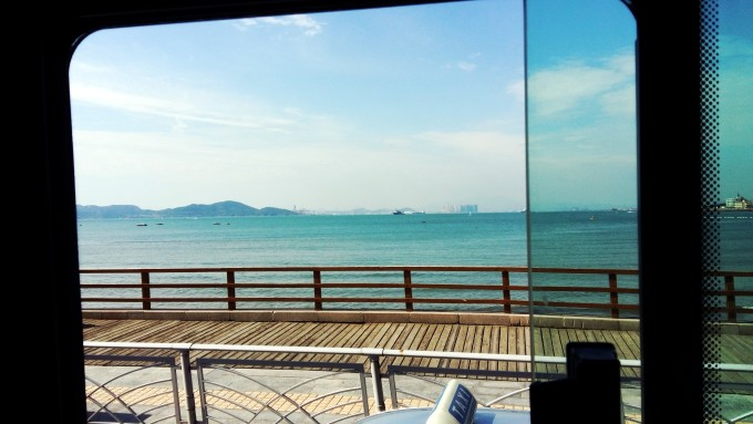 第三站  青岛,红瓦绿树,蓝天大海 一说到青岛,总会有这样一幅画