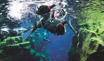 冰岛交巴卡冰洞探险 丝浮拉 silfra 大裂缝潜水一日游